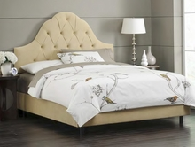 Arched Tufted Upholstered Bed