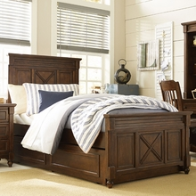 Beauregard Highlands Panel Bed