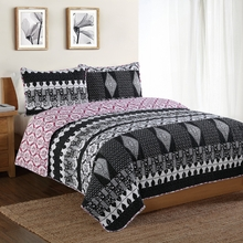 Black and White Scroll Quilt with Pillow Sham