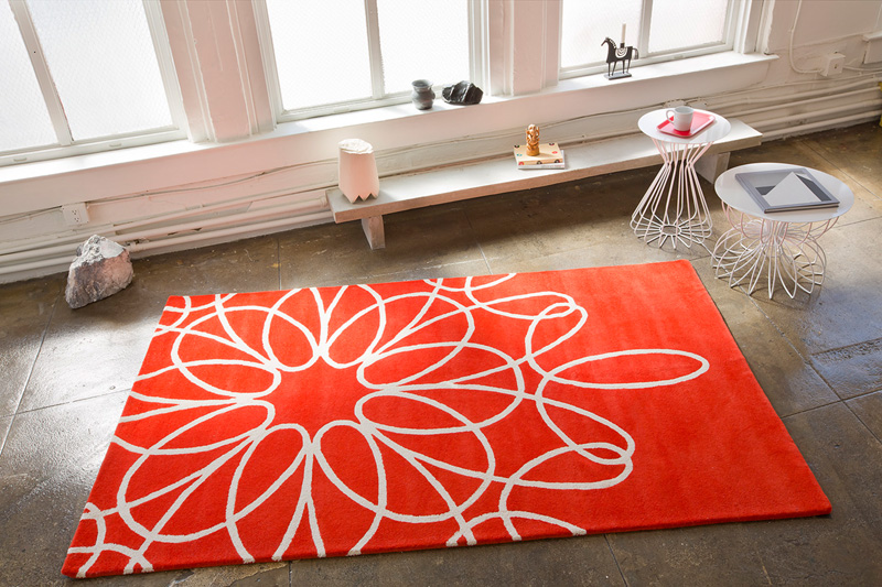Ribbon Area Rug In Red And White