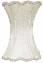 Scallop Hourglass Medium Lamp Shade in Ivory
