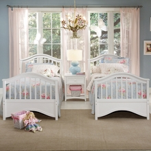 White Kadyn Bed