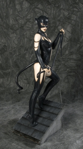 DC Comics Catwoman Fantasy Figure Gallery Sixth Scale Statue