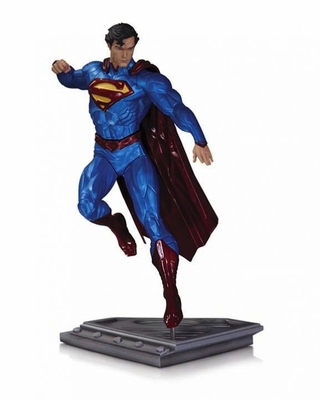 Man of Steel Superman Statue by Kenneth Rocafort