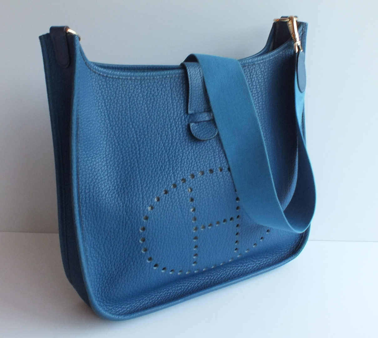 green birkin bag - active-auction-authentic-hermes-evelyne-gm-blue-sapphire-fjord-gold-hardware-rare-3.jpg