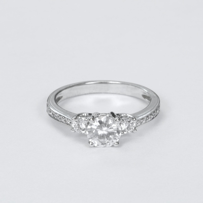14kt Classic Style Ring With 1.85Ctw G SI2 Round Diamond