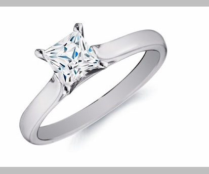 14kt Classic Style Solitaire Ring With 2.80 Carat G- SI-3 Princess Diamond
