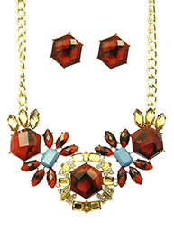 Aniis Necklace