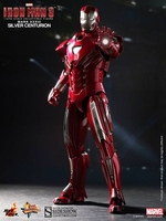 Iron Man Silver Centurion Mark 33 1/6 Scale Figure