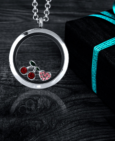 Circle Small  Locket with 2 Floating Motifs