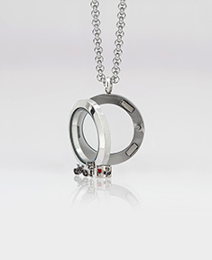 Circle Small  Locket with Floating Motifs