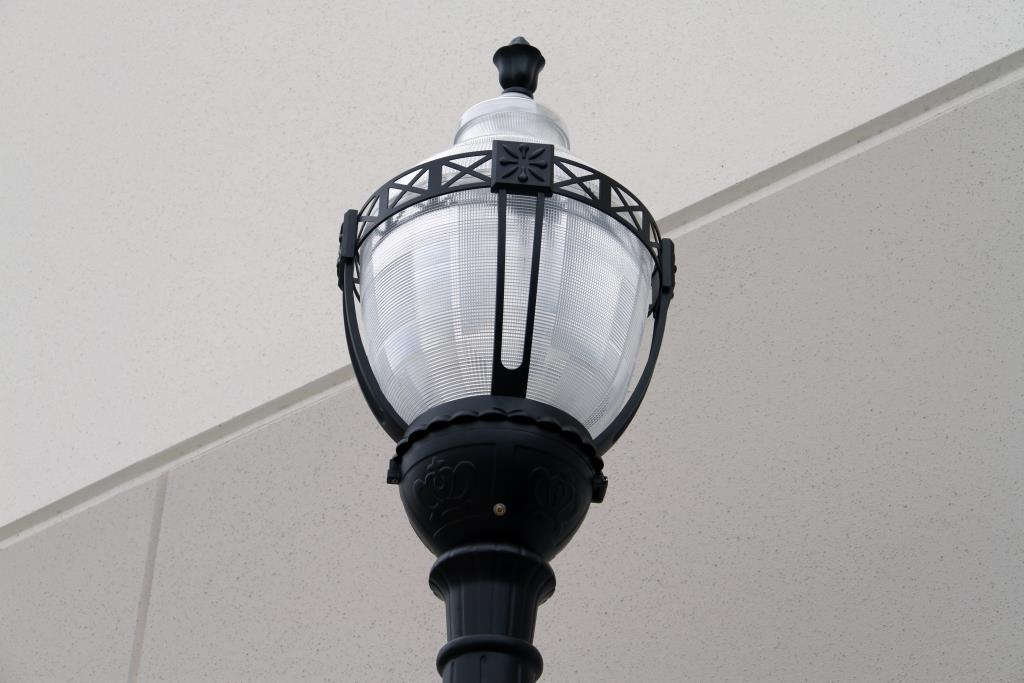 Premium Decorative Municipal Quality Street Light Fixture LED