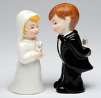 Mini Wedding Couple Porcelain Salt and Pepper Shakers, Set of 4