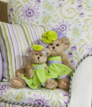 Glenna Jean Plush Green Large Flower Bear