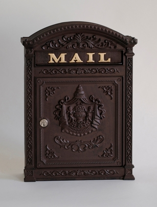 E6 Victorian Locking Wall Mount Mailbox in Rust Brown