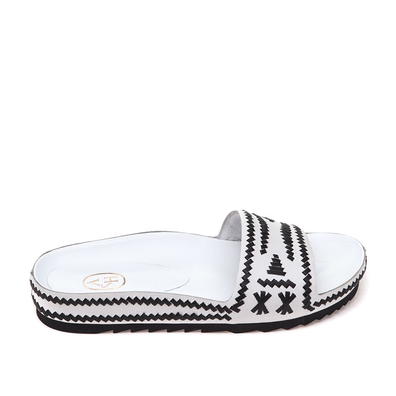 Ulla White Black Sandal