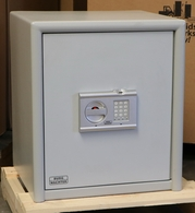 Burg Wachter CL 40 with a Biometric High Security Lock from Germany Used Safe