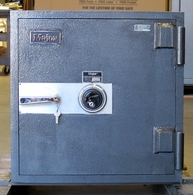 Used Major TL-15 Burglary safe for cash or jewelry