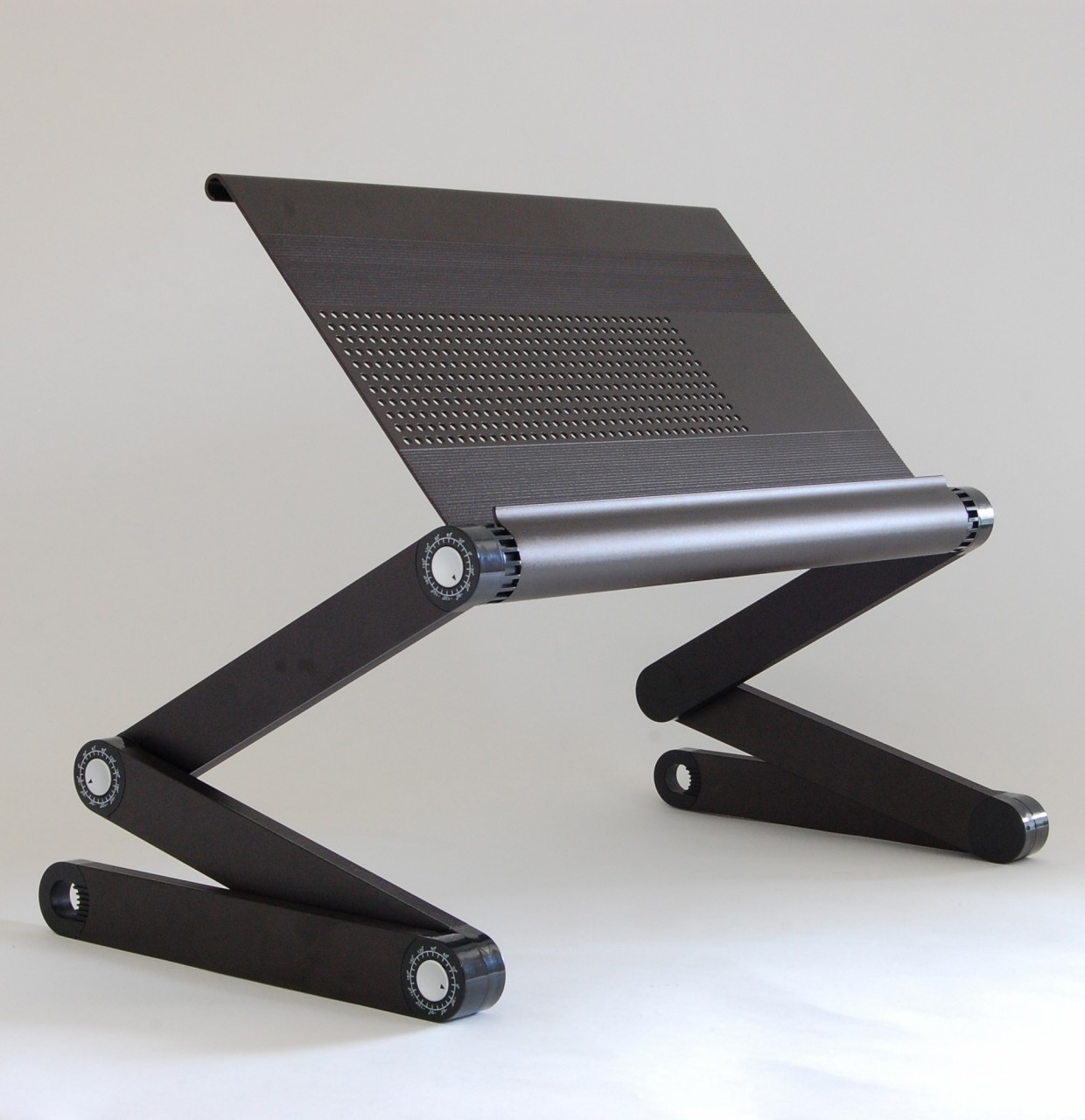 workez executive ergonomic laptop stand black