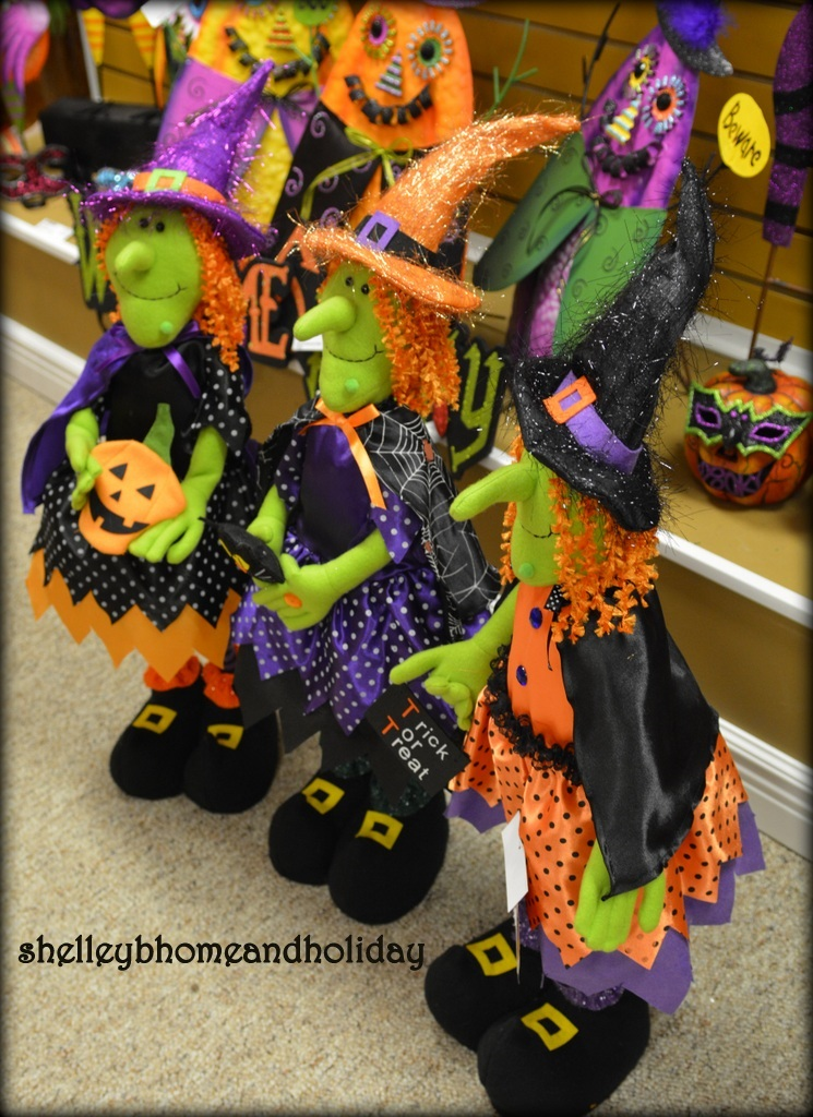Halloween standing witch decoration