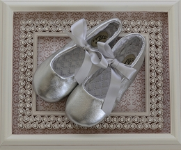 Designer's Touch Girls Leather Ballet Slippers in Silver