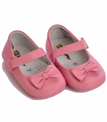 Kone Shoes Leather Bow Shoes in Light Petal Pink