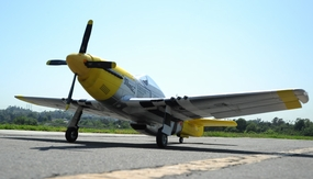 93a333 AirField P-51 Marie 1450MM Yellow