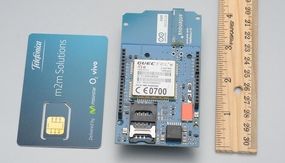 Arduino GSM Shield (integrated antenna)
