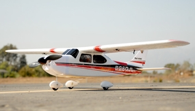 DY8924 Sky trainer