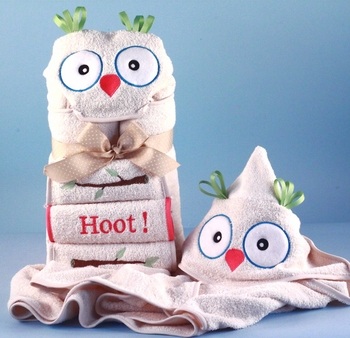 Embroidered Owl Hooded Towel Set