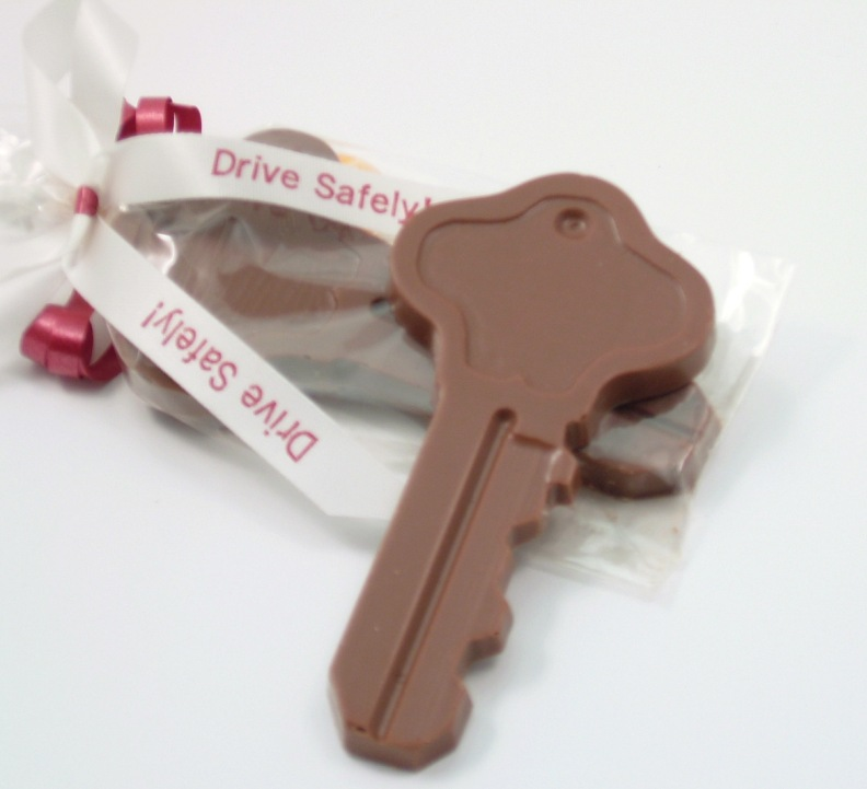 ... ⁄ Housewarming Party Favors ⁄ Chocolate Key Housewarming Favors