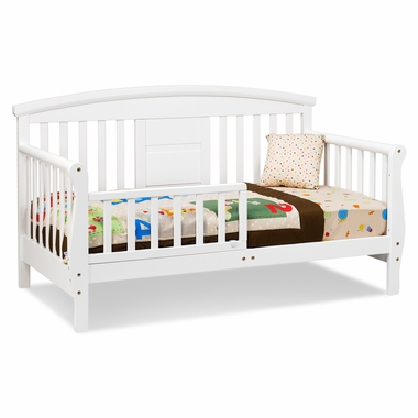 Elizabeth II Convertible Toddler Bed In White M0810W By