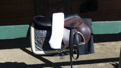 Custom and Specialty Tack Information