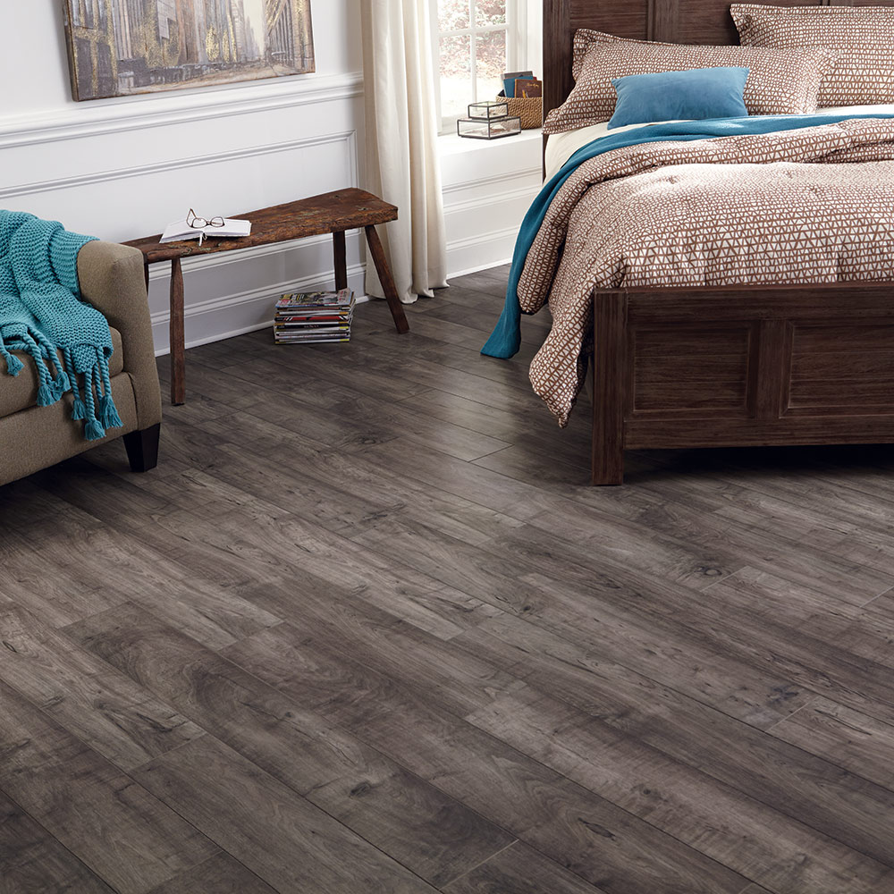 Mannington Restoration Woodland Maple Mist Laminate