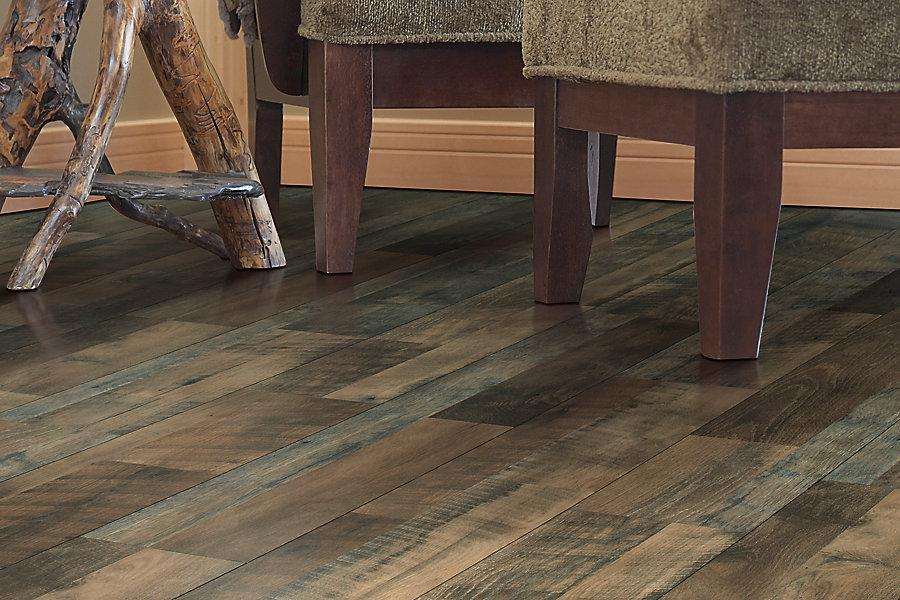 Mohawk Chalet Vista Echo Canyon Oak Laminate Flooring 7 1