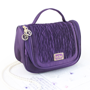Vintage Allure Hanging Travel Bag Purple