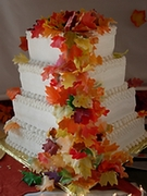 L.Hill - Fall Leaves Wedding Cake