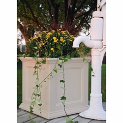 Fairfield Patio Planter 20in Square in Clay