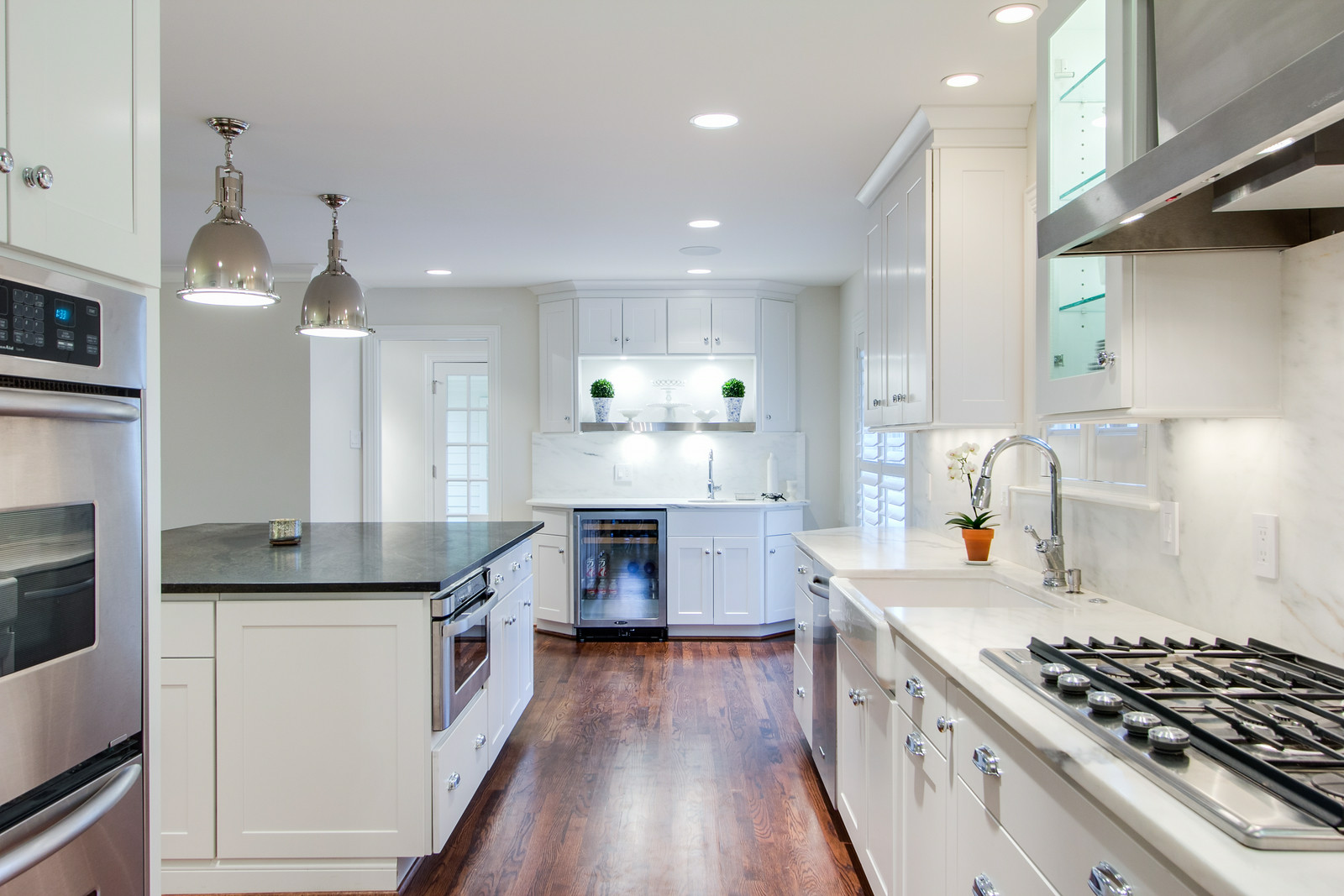 Kitchen cabinets dallastown pa - Dartmouth Painted White Kitchen Cabinets