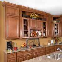 Hudson Heritage Brown with Chocolate Glaze Kitchen Cabinets