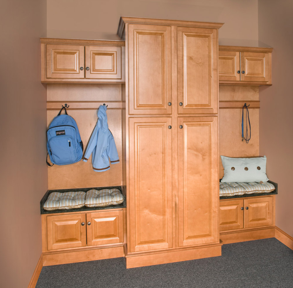 Saginaw Honey Kitchen Cabinets