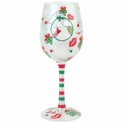 Mistletoe Me Wine Glass by Lolita�