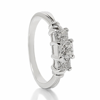 Platinum & 3 Stone Diamond Ring - 1ctw