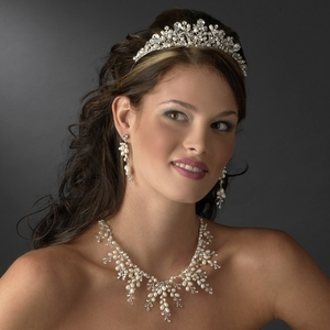 Stunning Ivory Freshwater Pearl Necklace & Earring Set