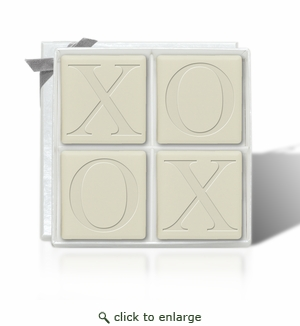 ECO-LUXURY : 4 SQUARE GUEST BARS XOXO MOTIF