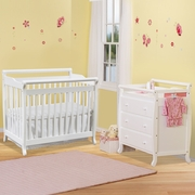DaVinci Emily 2 Piece Nursery Set -  Mini 2 in 1 Convertible Crib and 3 Drawer Changer in White