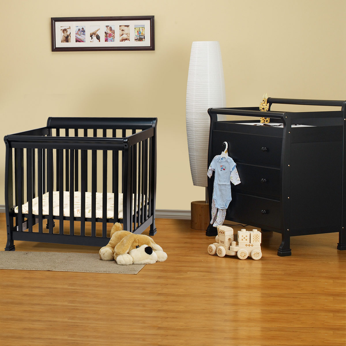 Da Vinci 2 Piece Nursery Set Kalani Mini Crib And 3 Drawer