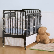 DaVinci Jenny Lind Convertible Crib in Ebony