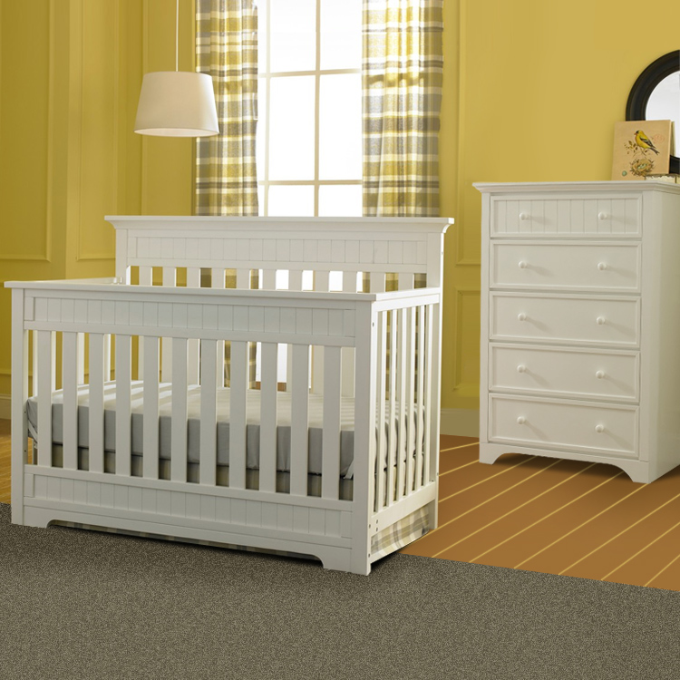 Convertible Crib And 5 Drawer Dresser