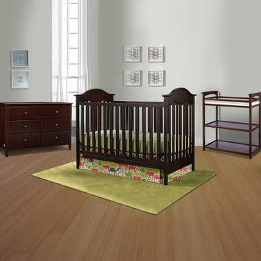 Fisher Price 3 Piece Nursery Set Charlotte Traditional Crib